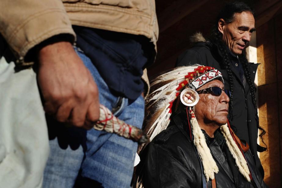 Plusieurs milliers de membres de tribus indiennes ainsi... (photo Lucas Jackson, archives REUTERS)