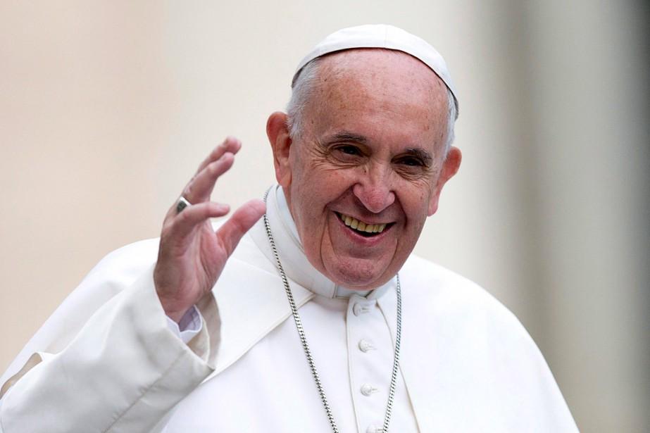 Le pape a fait savoir qu'il évaluerait la... (Alessandra Tarantino, archives AP)