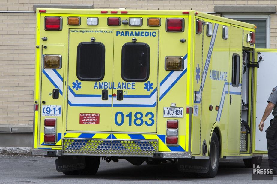 Alors qu'une grève des ambulanciers... (Photo Robert Skinner, archives La Presse)