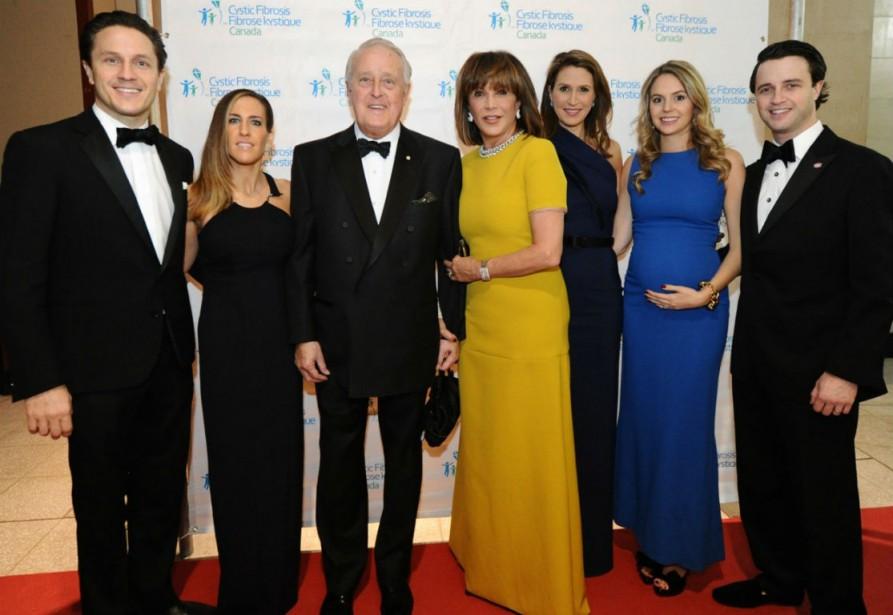 Une partie de la famille Mulroney, Mark Mulroney... (PHOTO FOURNIE PAR FIBROSE KYSTIQUE CANADA)