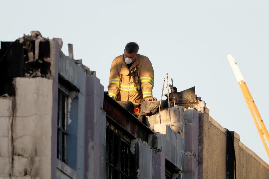 Mardi en fin de journée, les pompiers avaient... (REUTERS)