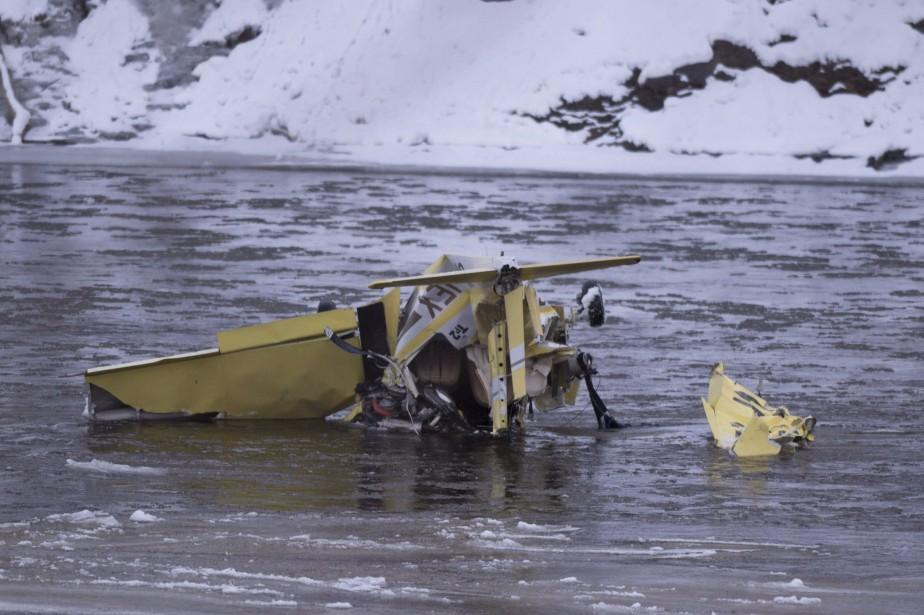 La cause de l'écrasement de ce Grumman AA-1... (Photo Jacques Boissinot, La Presse canadienne)