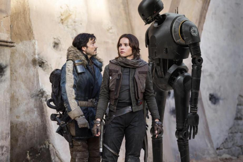 Cassian Andor (Diego Luna), Jyn Erso (Felicity Jones)...