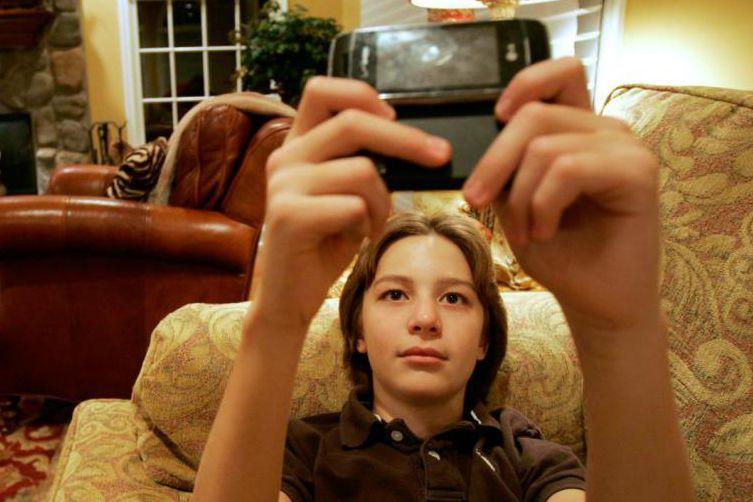 «L'utilisation prolongée du cellulaire en tout temps conduit... (PHOTO RICH SCHULTZ, ARCHIVES ASSOCIATED PRESS)