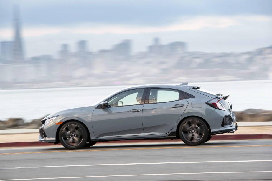 Avec le retour de la Civic à hayon, Honda corrige une vieille erreur stratégique. Son dessinmanque de simplicité, mais confère à l'ensemble un côté énergique, inusité. (Photos : Honda)