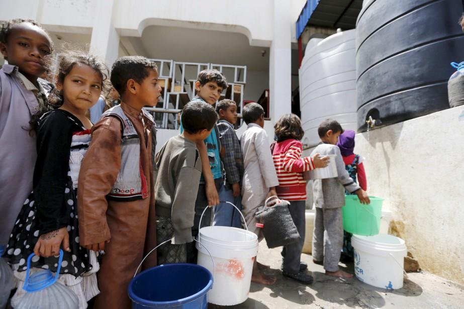 La guerre entre des rebelles Houthis pro-iraniens et... (photo Khaled Abdullah, archives Reuters)
