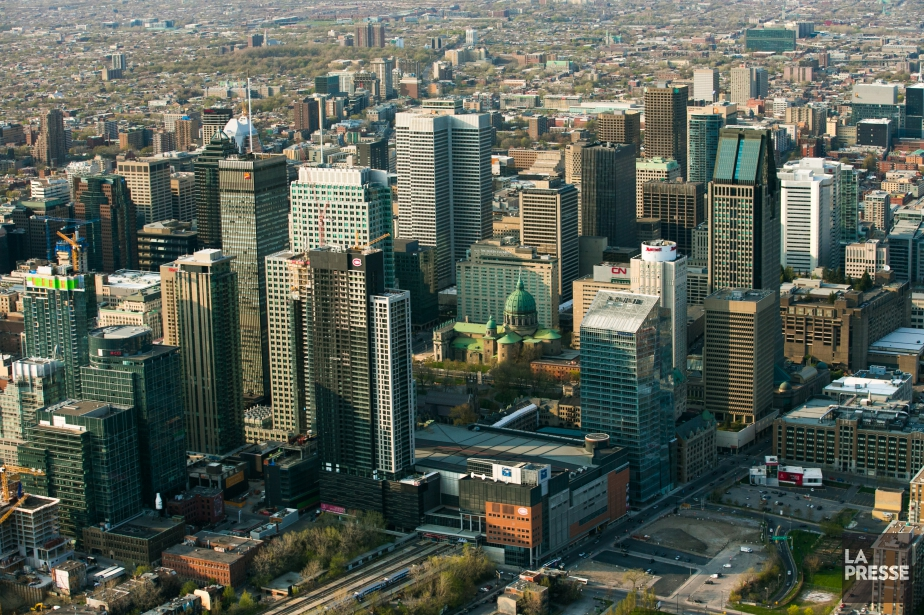 Vue du centre-ville de Montréal.... (PHOTO MARTIN TREMBLAY, ARCHIVES LA PRESSE)