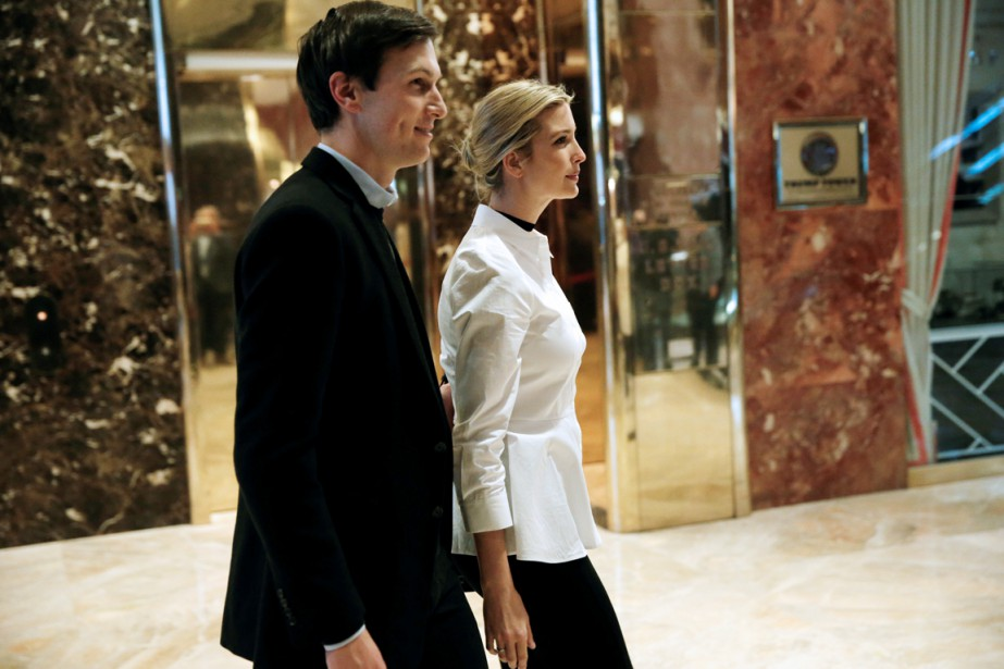 Ivanka Trump et Jared Kushner sont photographiés entrant... (photo Mike Segar, archives REUTERS)