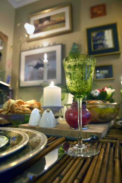 Marie aime ressortir les verres en cristal de Baccarat reçu de son père. (Le Soleil, Jean-Marie Villeneuve)