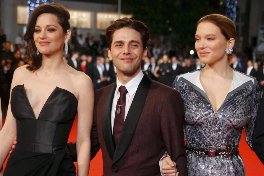 Xavier Dolan et les actrices de Juste la... (PhotoRegis Duvignau, Archives Reuters)