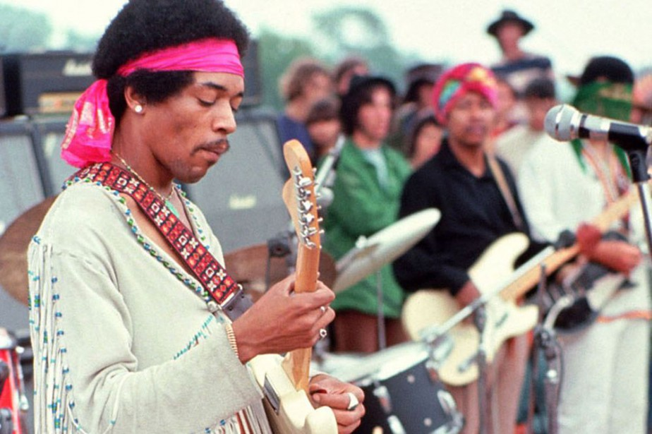 Jimi Hendrix à Woodstock en août 1969.... (PHOTO ARCHIVES AFP)