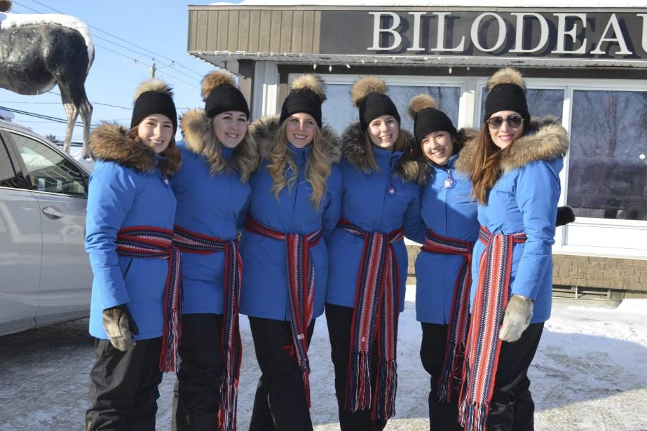 Les duchesses du Carnaval de Québec portenet des vêtements de Bilodeau Canada. (Photo Le Quotidien, Louis Potvin)