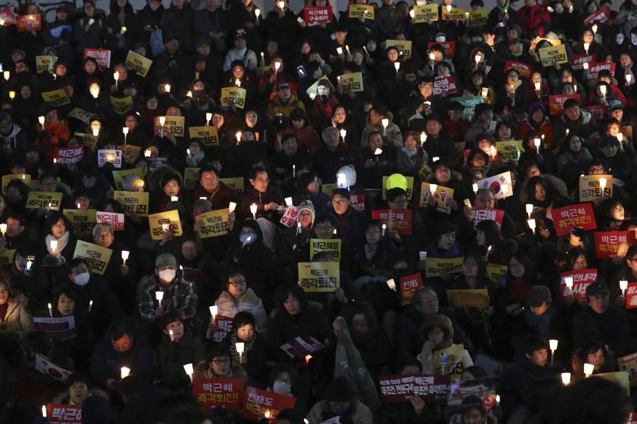 Les organisateurs ont affirmé avoir réuni 600 000... (PHOTO Lee Jin-man, AP)