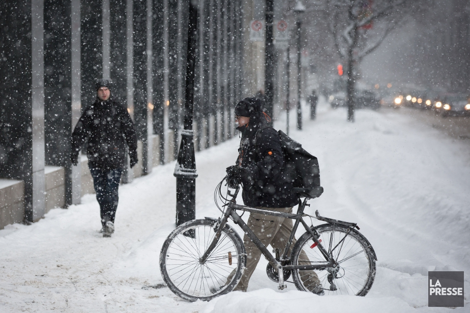 La neige tombait toujours... (PHOTO SIMON GIROUX, ARCHIVES LA PRESSE)
