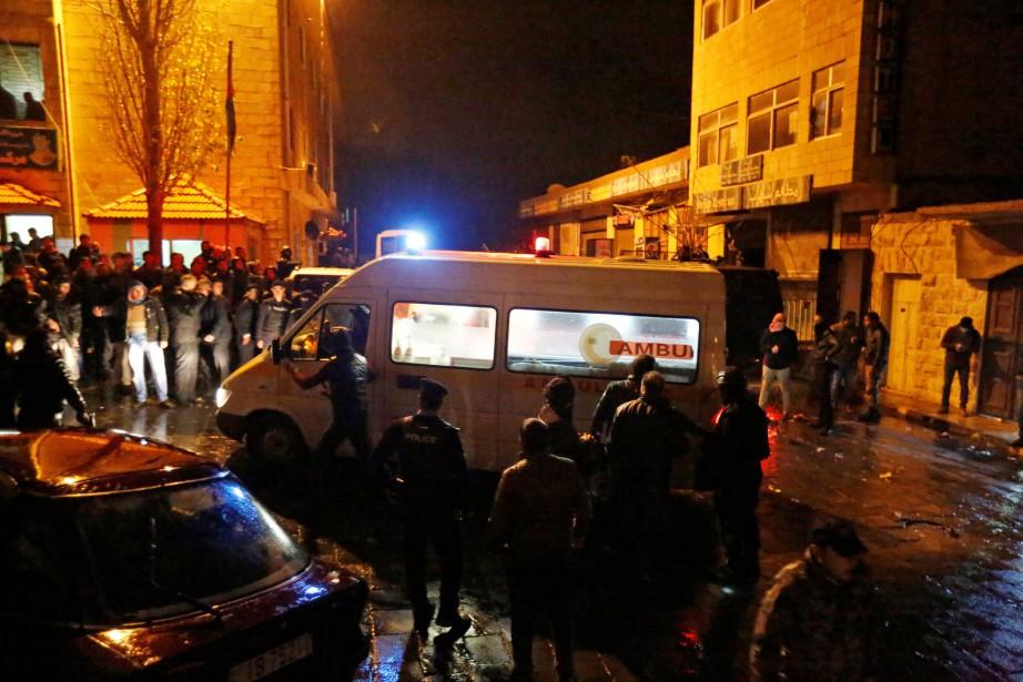 Les attaques n'ont pas été immédiatement revendiquées.... (PHOTO Muhammad Hamed, REUTERS)