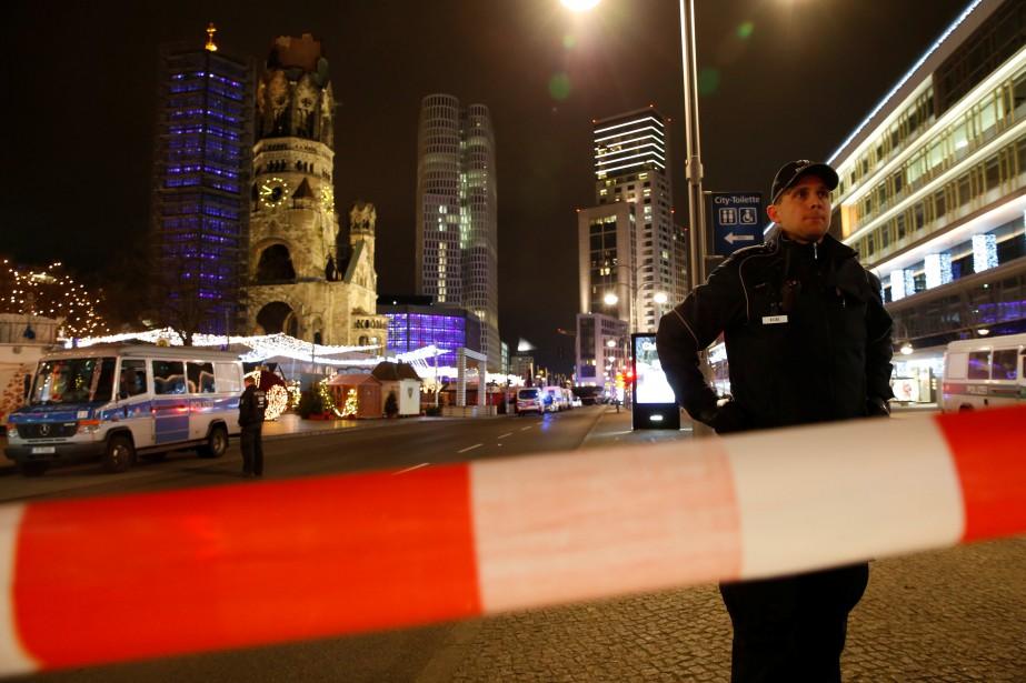 Le drame s'est produit sur la Breitscheidplatz, près de l'Église du Souvenir, au centre de ville de Berlin. (Photo REUTERS)