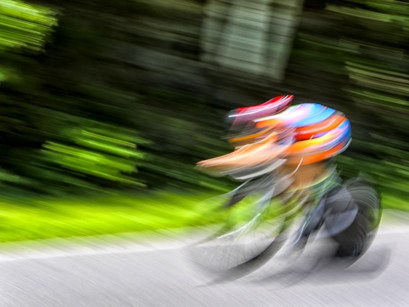 Une exposition lente du passage à toute vitesse d'un cycliste, le 3 juin dernier, lorsdu Grand Prix cycliste de Gatineau. | 19 décembre 2016