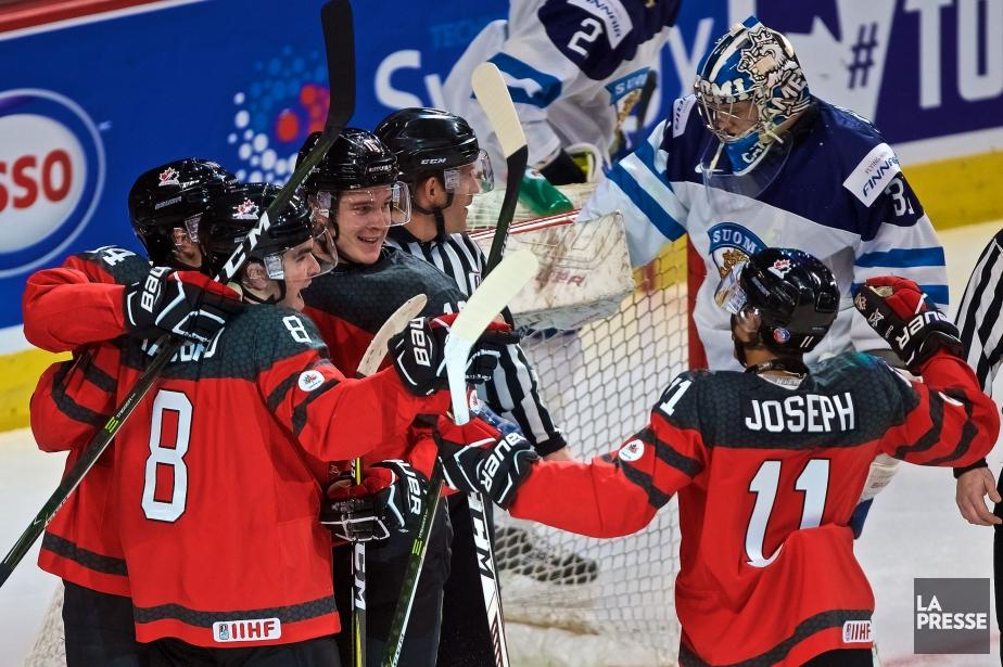 Équipe Canada juniora signé une victoire facile de... (Photo André Pichette, La Presse)
