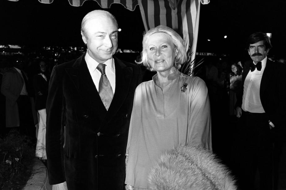 Michèle Morgan et son mari, le réalisateur Gérard Oury, à la première du film <em>Un autre homme, une autre chance</em> de Claude Lelouch en septembre 1977. (PHOTO ARCHIVES AFP)