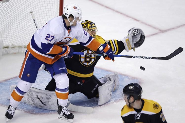 Anders Lee a marqué deux fois et les Islanders de New York ont eu... (PHOTO AP)