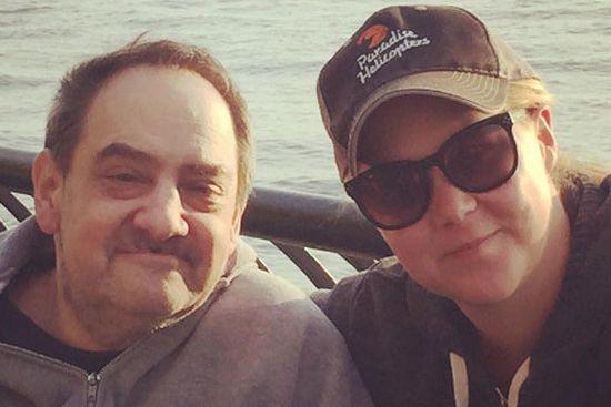 Amy Schumer et son père, Gordon... (Photo tirée du compte Instagram d'Amy Schumer)