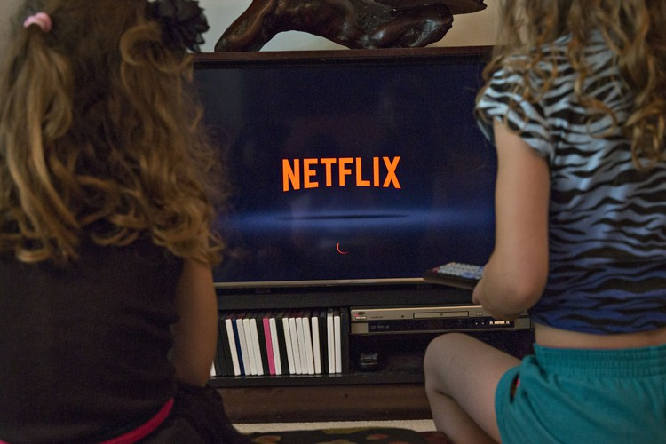 Les plateformes de télévision payante en ligne, principalement... (PHOTO BLOOMBERG)