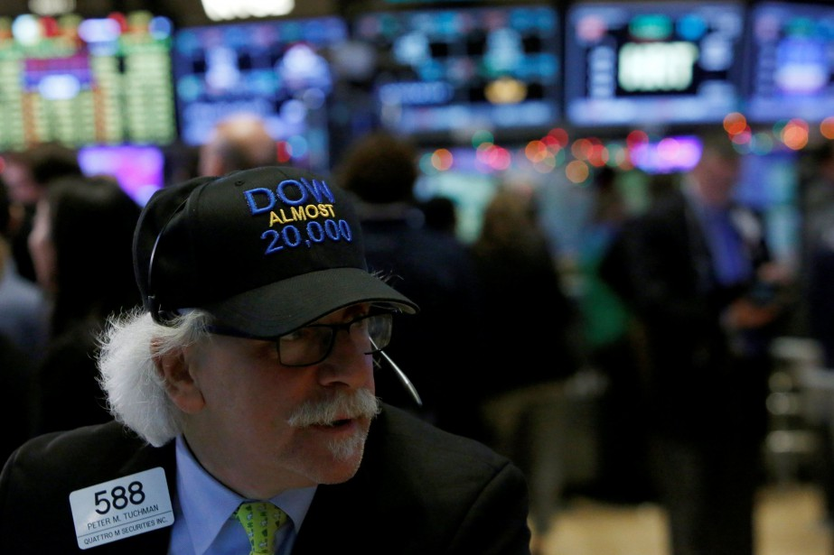 Wall Street reste maintenant en retrait, «malgré de... (REUTERS)