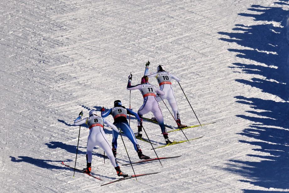 À l'occasion du Tour de ski du Canada, présenté en mars sur les plaines d'Abraham, Yan a capté cette image de quatre compétitrices alignées de façon presque symétrique, lors d'une montée. Cette photographie lui a permis de figurer parmi les trois finalistes (catégorie Sports) au prix Antoine-Désilets de la Fédération professionnelle des journalistes du Québec. (Le Soleil, Yan Doublet)