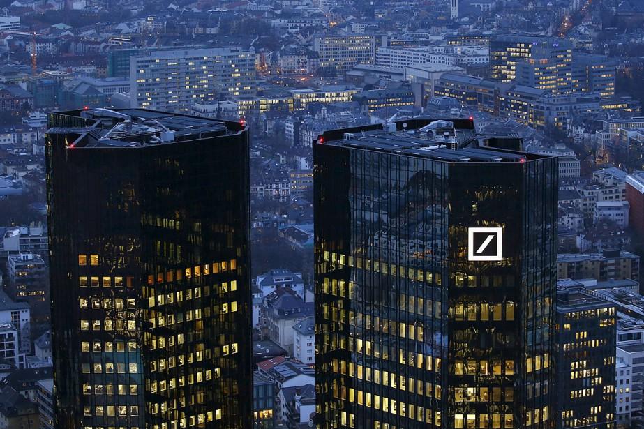 Les géants bancaires allemand Deutsche Bank (photo du... (Photo Kai Pfaffenbach, archives REUTERS)