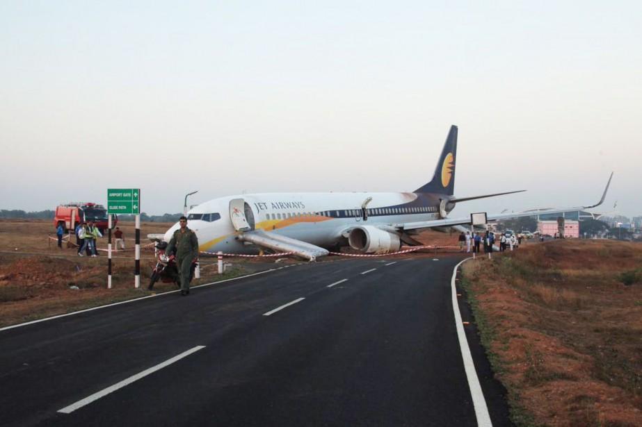 L'appareil, qui comptait 161 personnes à bord et... (Photo Reuters)