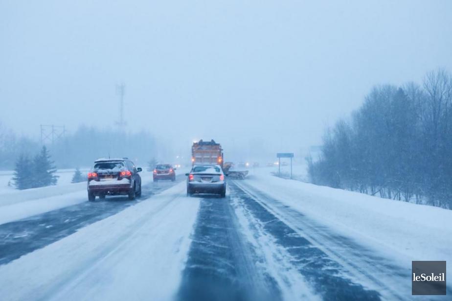 La tempête qui a frappé l'est du Québec... (PHOTO CAROLINE GRÉGOIRE, LE SOLEIL)