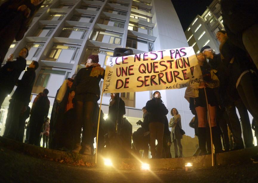 Le campus de l'Université Laval a été secoué, en octobre, par une série d'agressions sexuelles commises dans les résidences du pavillon Parent. Une manifestation en soutien aux victimes s'est déroulée quelques jours plus tard, au cours de laquelle le recteur Denis Brière a été hué. (Le Soleil, Jean-Marie Villeneuve)