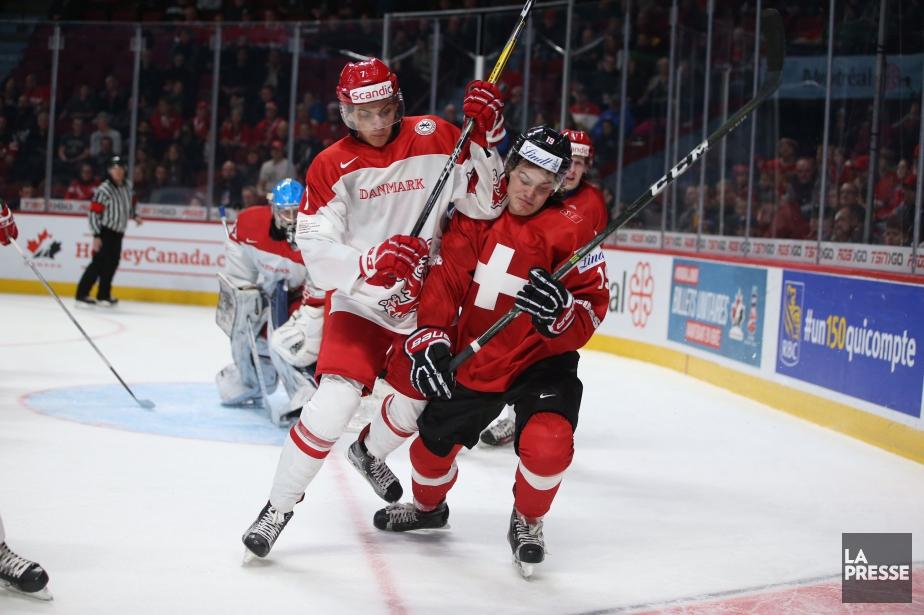 Après cette victoire la Suisse affrontera la Finlande.... (PHOTO MARTIN CHAMBERLAND, LA PRESSE)