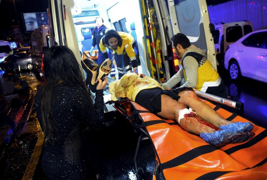 L'attaque a aussi fait 65 blessés, dont quatre grièvement atteints. (AP)