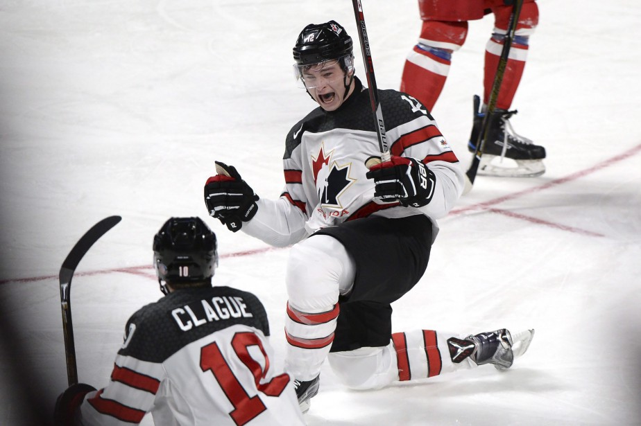 Le Montréalais Julien Gauthier a donné deux buts... (Paul Chiasson, La Presse canadienne)