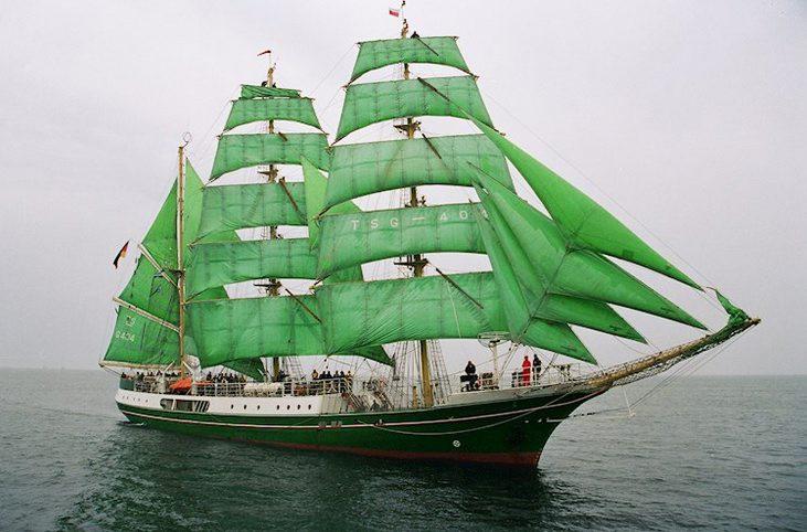 L'ALEXANDER von HUMBOLDT II, ou (ALEX-2), de classe A, navigue en haute mer depuis 2011. (Photo tirée du site de RDV 2017)