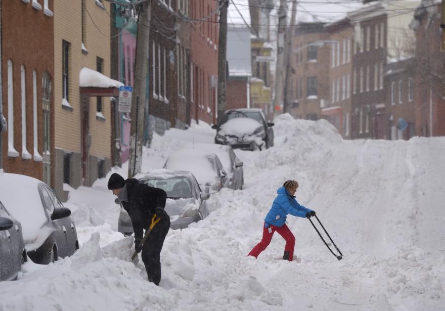L'heure était au déblaiement pour les résidents de Québec (Le Soleil, Yan Doublet)
