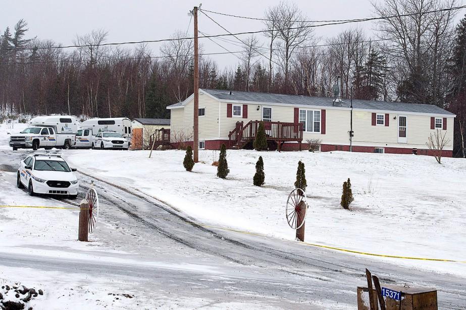 Quatre corps ont été trouvés dans une maison... (Photo Andrew Vaughan, PC)