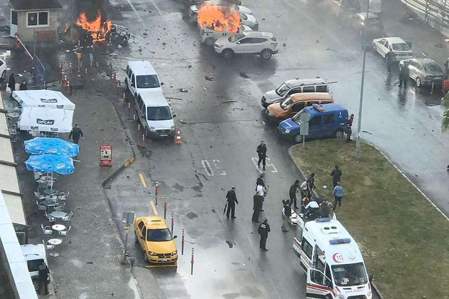 L'explosion, provoquée selon les médias turcs par une... (photo DOGAN NEWS AGENCY/dha/AFP)