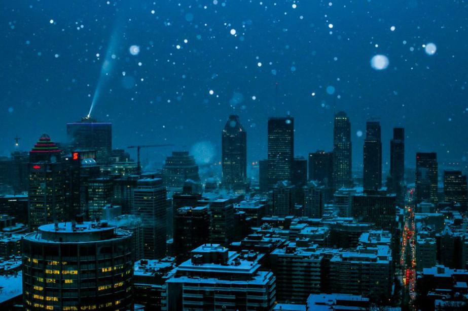 Neige sur Montréal... (PHOTO MARTIN TREMBLAY, LA PRESSE)