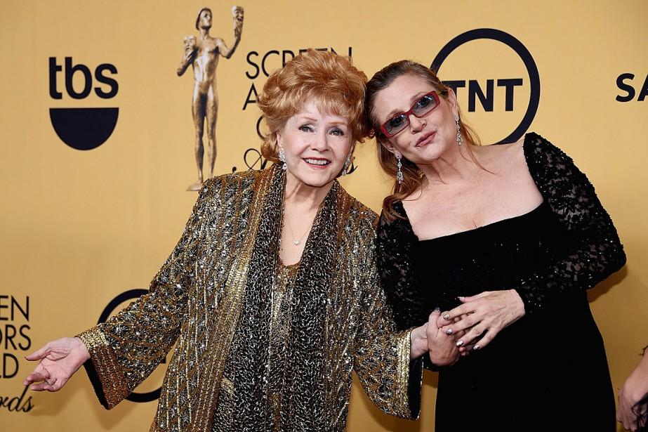 Debbie Reynolds et Carrie Fisher en janvier2015.... (Archives, Agence France-Presse)