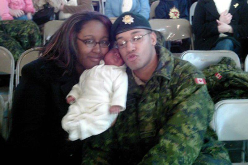 Lionel Desmond, en compagnie de sa femme et... (Photo archives La Presse Canadienne)