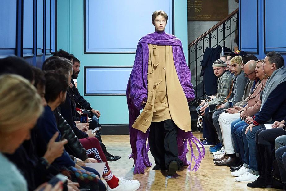 Pour l'hiver prochain, le styliste J.W. Andersonpropose des... (PHOTO NIKLAS HALLE'N, AFP)