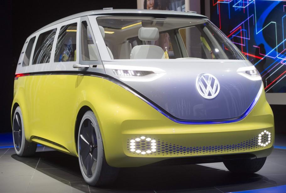 Le minibus Volkswagen I.D. Buzz autonome et tout électrique a été dévoilé au Salon de l'auto de Détroit. (AFP)