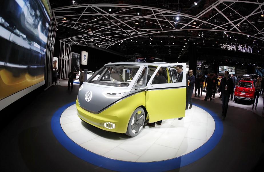 Le minibus Volkswagen I.D. Buzz électrique. (REUTERS)