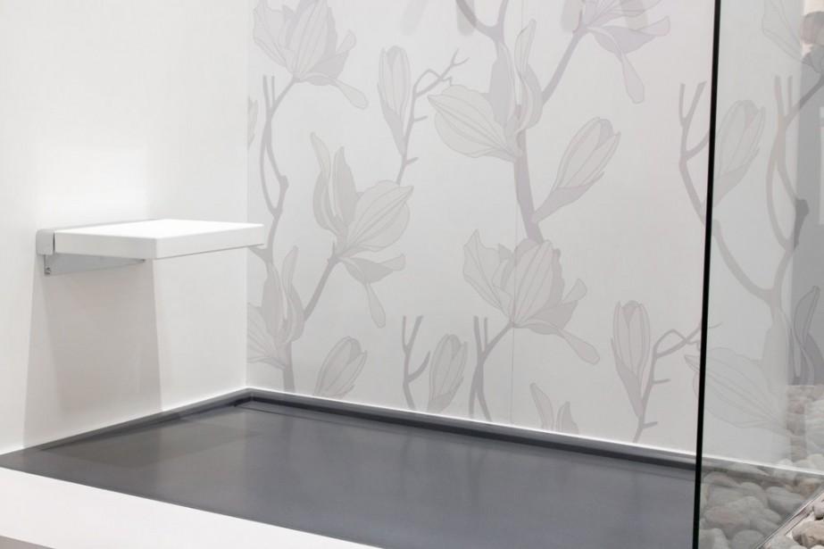tendances salle de bain salle de bain moderne u tendance inspire par le design minimaliste et. Black Bedroom Furniture Sets. Home Design Ideas