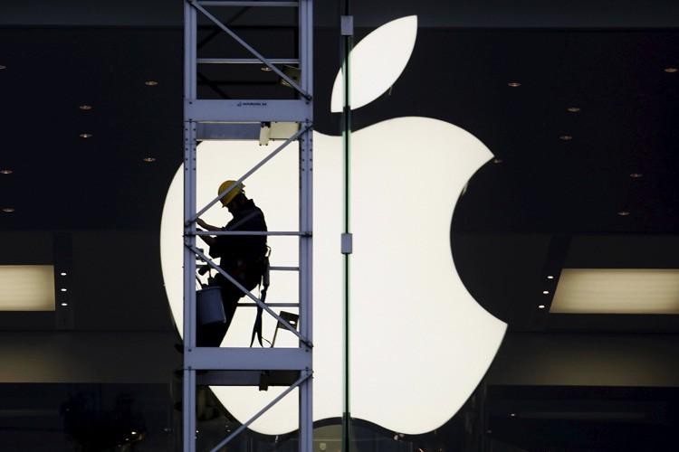 Le groupe informatique Apple va devoir répondre devant la... (PHOTO REUTERS)