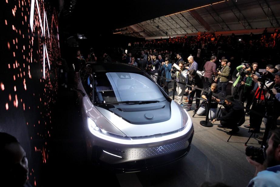 <strong>Supercar électrique</strong> : son groupe électrique produit 783 kW, l'équivalent de 1050ch, et sa batterie fait 130 kWh. Ils alimentent des moteurs-roues à couple vectoriel assurant une tenue de route et une autonomie irréprochables:0-100km/h en 2,39 secondes, autonomie de 600km. Tout ça se charge en 4,5heures. (REUTERS)