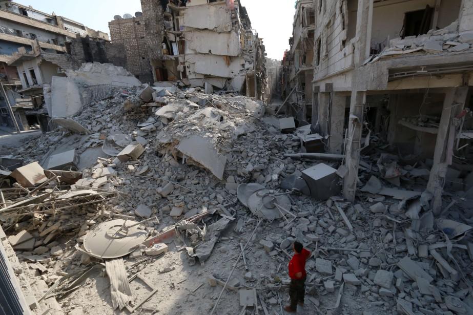Des bâtiments détruits près d'Alep.... (Photo Zein Al-Rifai, archives Agence France-Presse)