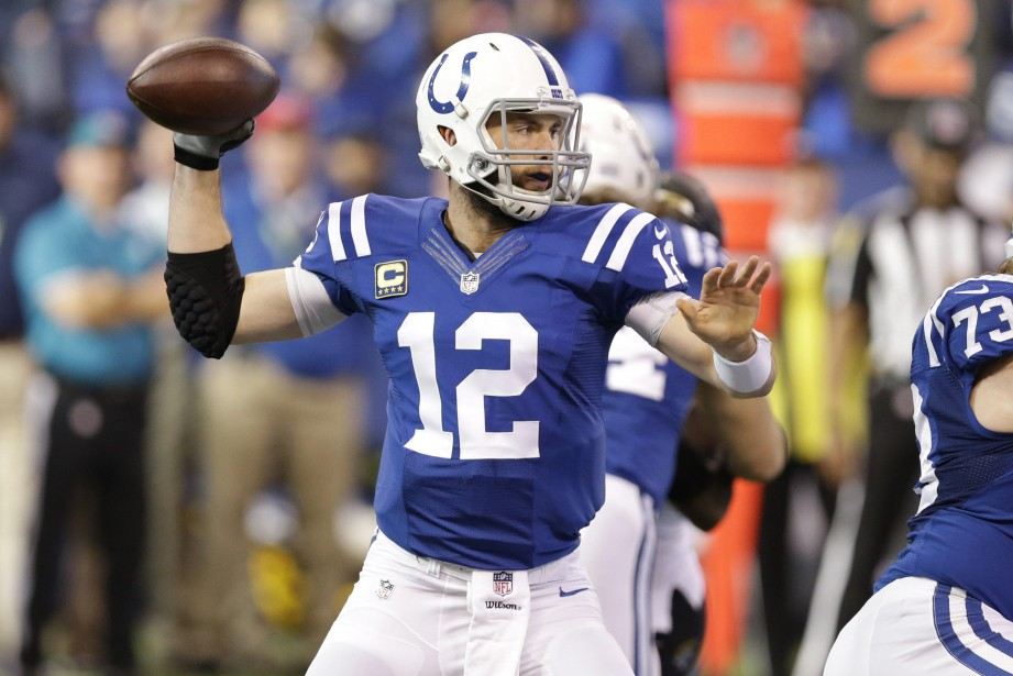 Andrew Luck... (Photo Michael Conroy, archives AP)
